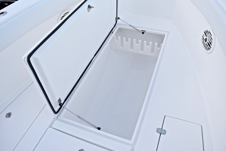 Thumbnail 53 for Used 2005 Bluewater 2850 CC Center Console boat for sale in West Palm Beach, FL