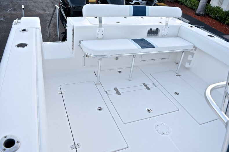 Thumbnail 10 for Used 2005 Bluewater 2850 CC Center Console boat for sale in West Palm Beach, FL