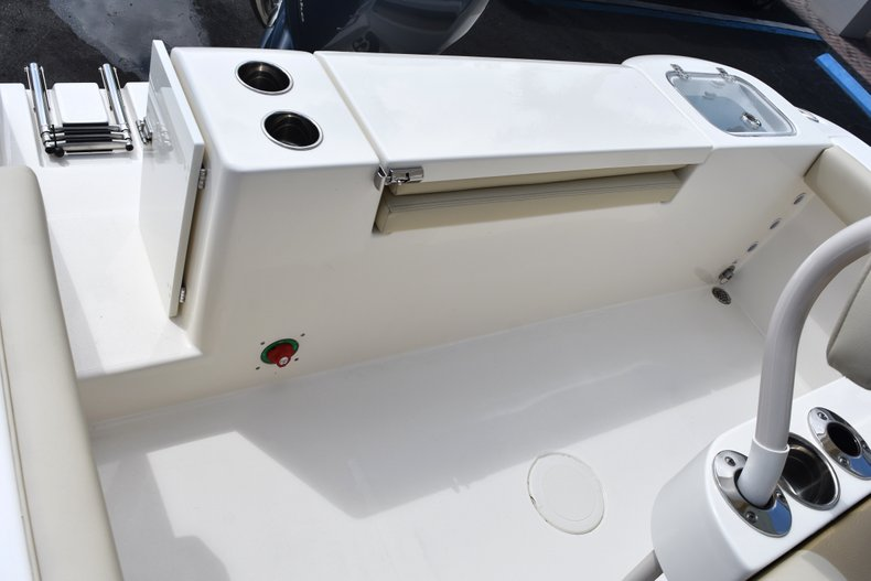 Thumbnail 12 for New 2018 Cobia 220 Center Console boat for sale in West Palm Beach, FL