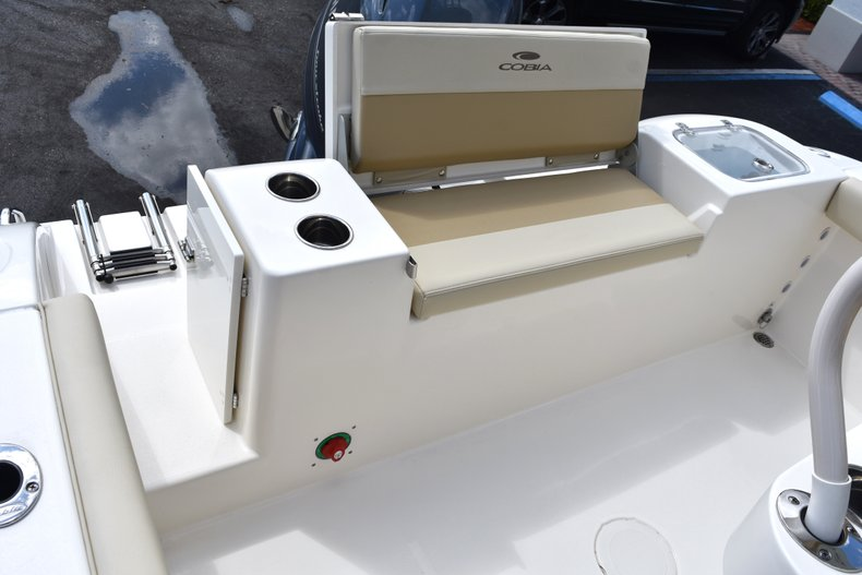 Thumbnail 13 for New 2018 Cobia 220 Center Console boat for sale in West Palm Beach, FL