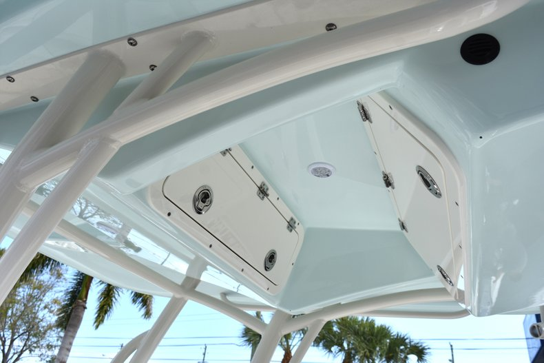 Thumbnail 25 for New 2018 Cobia 220 Center Console boat for sale in West Palm Beach, FL
