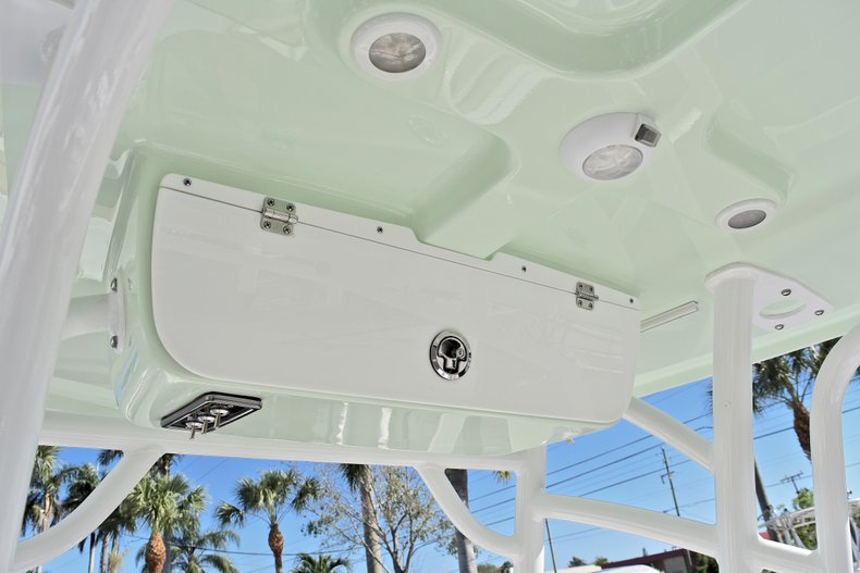 Thumbnail 25 for New 2018 Sportsman Open 212 Center Console boat for sale in West Palm Beach, FL