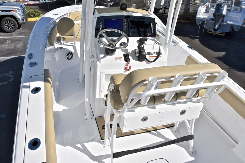 Thumbnail 10 for New 2018 Sportsman Open 212 Center Console boat for sale in West Palm Beach, FL