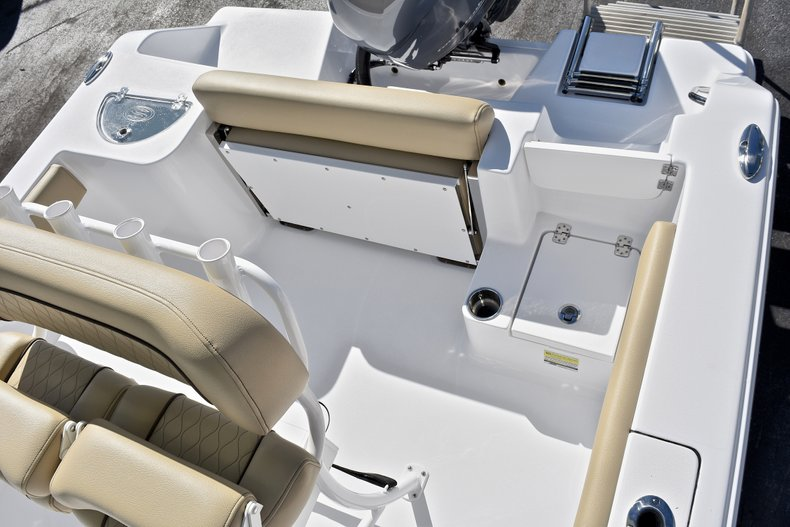Thumbnail 11 for New 2018 Sportsman Open 212 Center Console boat for sale in West Palm Beach, FL