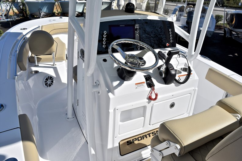 Thumbnail 27 for New 2018 Sportsman Open 212 Center Console boat for sale in West Palm Beach, FL