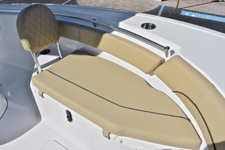 Thumbnail 47 for New 2018 Sportsman Open 212 Center Console boat for sale in West Palm Beach, FL