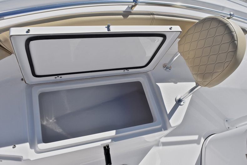 Thumbnail 46 for New 2018 Sportsman Open 212 Center Console boat for sale in West Palm Beach, FL