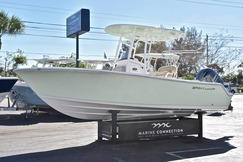 Thumbnail 4 for New 2018 Sportsman Open 212 Center Console boat for sale in West Palm Beach, FL