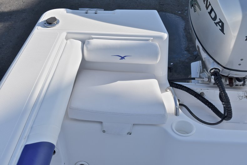 Thumbnail 11 for Used 2006 Pro-Line 21 Sport boat for sale in West Palm Beach, FL