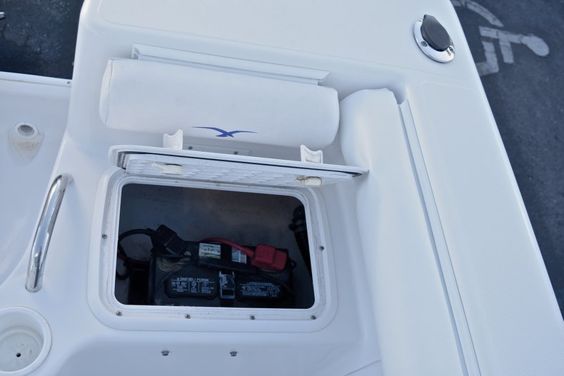 Thumbnail 14 for Used 2006 Pro-Line 21 Sport boat for sale in West Palm Beach, FL