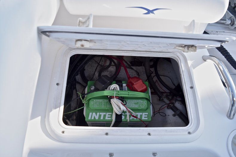 Thumbnail 12 for Used 2006 Pro-Line 21 Sport boat for sale in West Palm Beach, FL