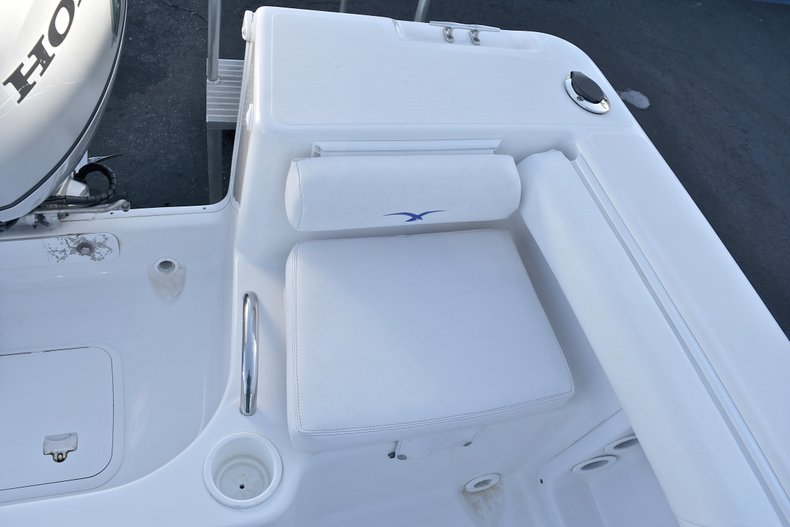 Thumbnail 13 for Used 2006 Pro-Line 21 Sport boat for sale in West Palm Beach, FL