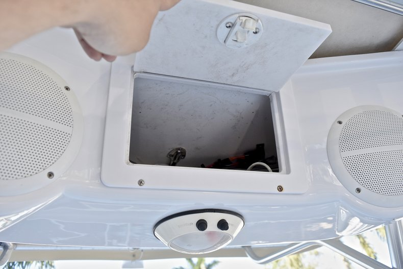 Thumbnail 24 for Used 2006 Pro-Line 21 Sport boat for sale in West Palm Beach, FL