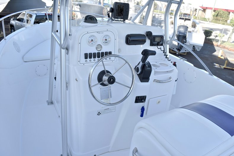 Thumbnail 25 for Used 2006 Pro-Line 21 Sport boat for sale in West Palm Beach, FL