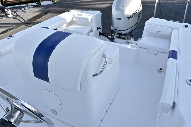 Thumbnail 21 for Used 2006 Pro-Line 21 Sport boat for sale in West Palm Beach, FL