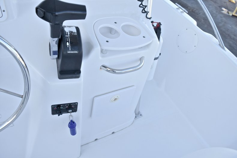 Thumbnail 33 for Used 2006 Pro-Line 21 Sport boat for sale in West Palm Beach, FL