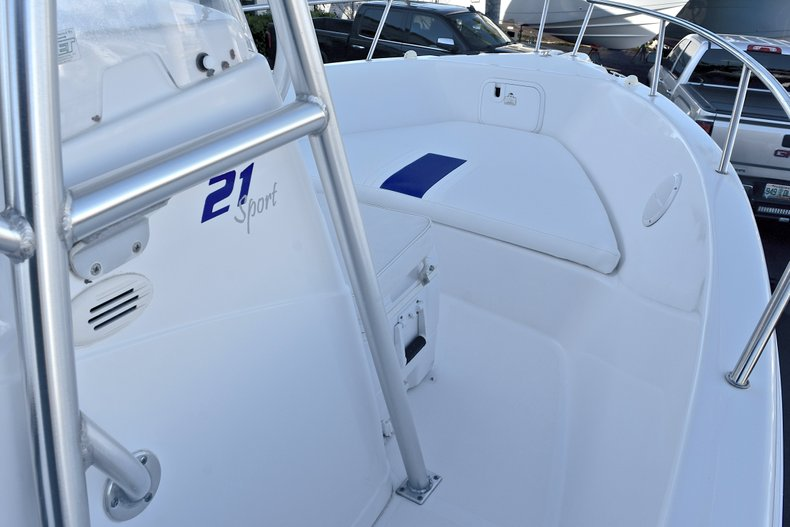 Thumbnail 35 for Used 2006 Pro-Line 21 Sport boat for sale in West Palm Beach, FL
