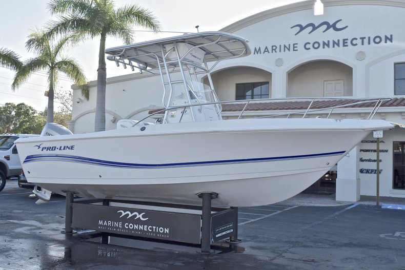 Thumbnail 1 for Used 2006 Pro-Line 21 Sport boat for sale in West Palm Beach, FL