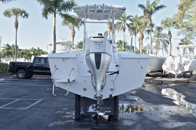 Thumbnail 6 for Used 2006 Pro-Line 21 Sport boat for sale in West Palm Beach, FL