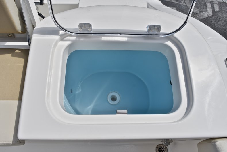Thumbnail 16 for New 2018 Cobia 220 Center Console boat for sale in West Palm Beach, FL