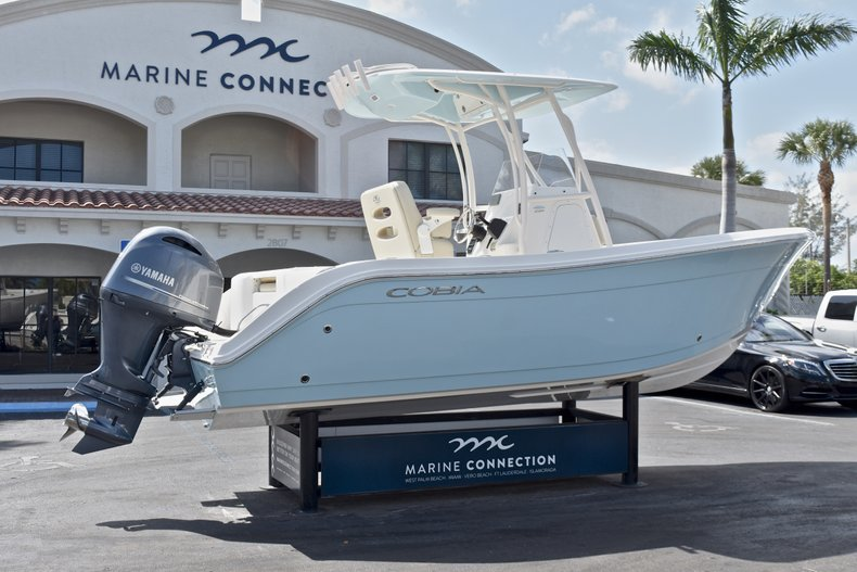Thumbnail 7 for New 2018 Cobia 220 Center Console boat for sale in West Palm Beach, FL