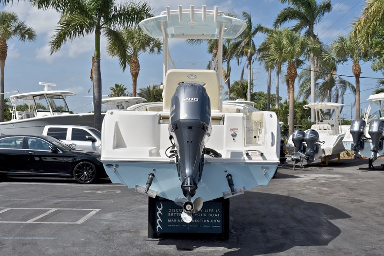 Thumbnail 6 for New 2018 Cobia 220 Center Console boat for sale in West Palm Beach, FL