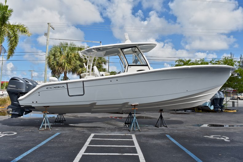 Thumbnail 5 for New 2018 Cobia 344 Center Console boat for sale in West Palm Beach, FL