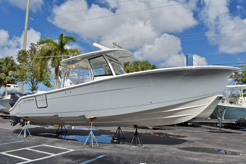 Thumbnail 6 for New 2018 Cobia 344 Center Console boat for sale in West Palm Beach, FL