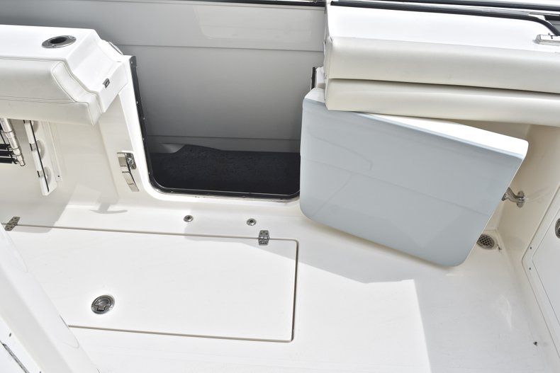 Thumbnail 19 for New 2018 Cobia 344 Center Console boat for sale in West Palm Beach, FL