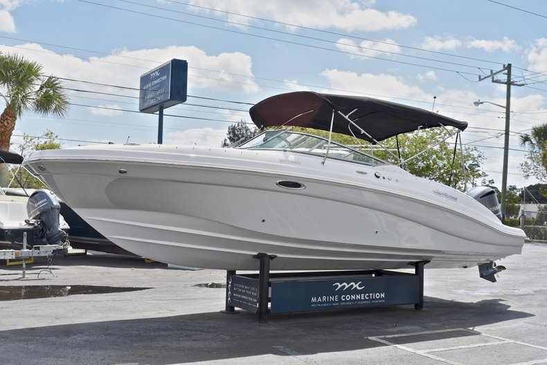 Thumbnail 3 for New 2018 Hurricane SunDeck SD 2690 OB boat for sale in West Palm Beach, FL