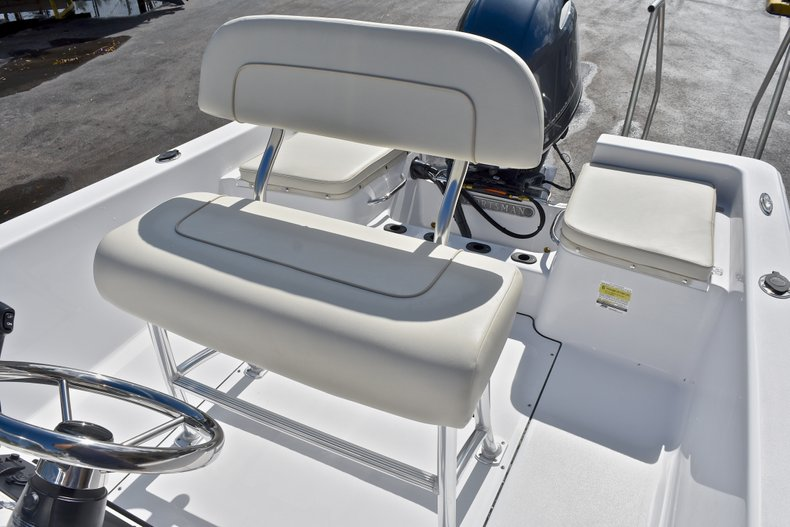 Thumbnail 20 for New 2018 Sportsman 19 Island Reef boat for sale in West Palm Beach, FL