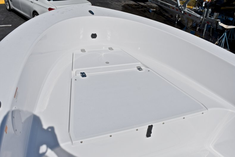 Thumbnail 33 for New 2018 Sportsman 19 Island Reef boat for sale in West Palm Beach, FL
