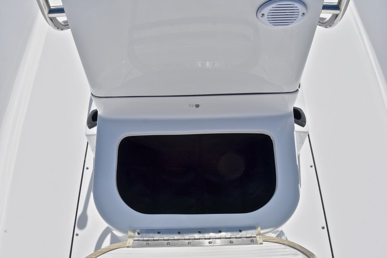 Thumbnail 32 for New 2018 Sportsman 19 Island Reef boat for sale in West Palm Beach, FL