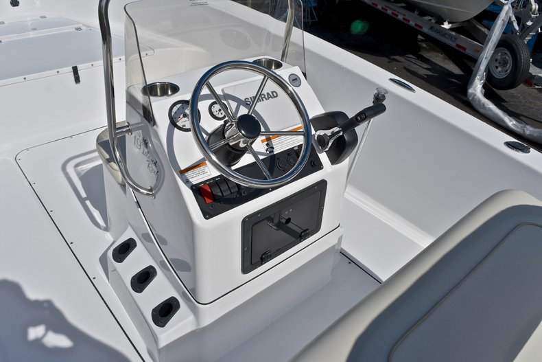 Thumbnail 21 for New 2018 Sportsman 19 Island Reef boat for sale in West Palm Beach, FL
