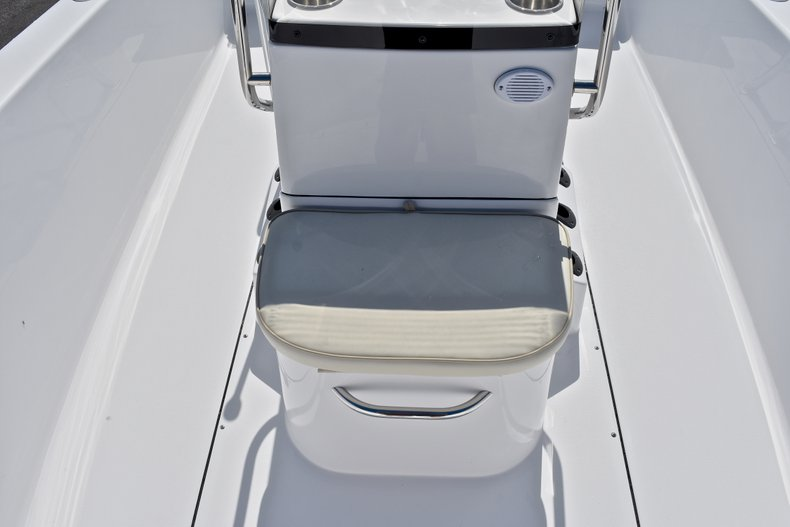 Thumbnail 31 for New 2018 Sportsman 19 Island Reef boat for sale in West Palm Beach, FL