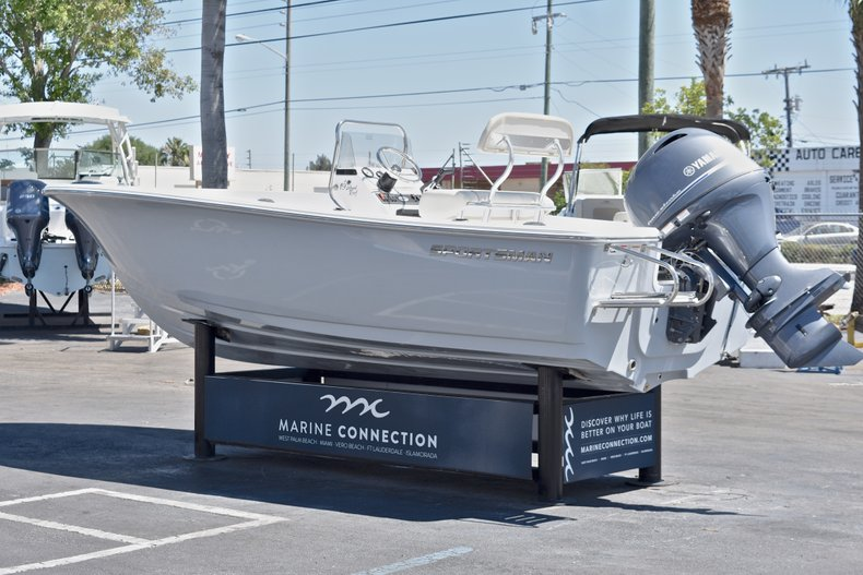 Thumbnail 5 for New 2018 Sportsman 19 Island Reef boat for sale in West Palm Beach, FL