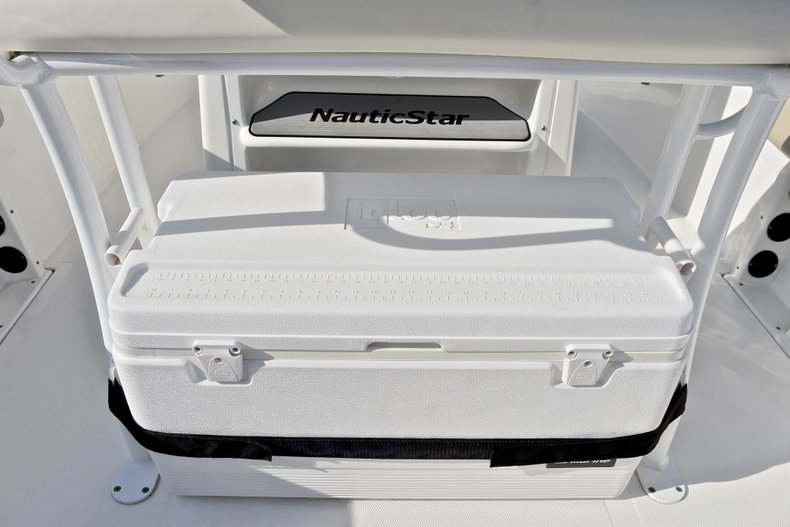 Thumbnail 23 for Used 2016 NauticStar 2302 Legacy CC boat for sale in West Palm Beach, FL