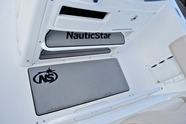 Thumbnail 41 for Used 2016 NauticStar 2302 Legacy CC boat for sale in West Palm Beach, FL