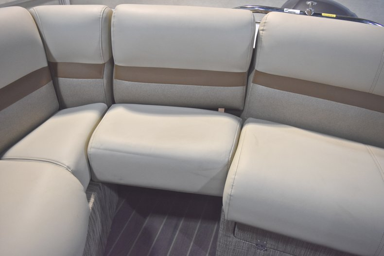 Thumbnail 17 for New 2018 Sanpan 2500 ULW boat for sale in West Palm Beach, FL