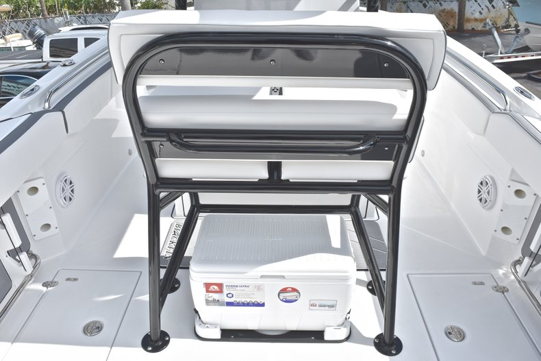 Thumbnail 24 for New 2018 Blackfin 242CC Center Console boat for sale in West Palm Beach, FL