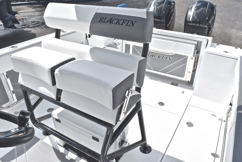 Thumbnail 25 for New 2018 Blackfin 242CC Center Console boat for sale in West Palm Beach, FL