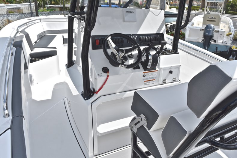 Thumbnail 30 for New 2018 Blackfin 242CC Center Console boat for sale in West Palm Beach, FL