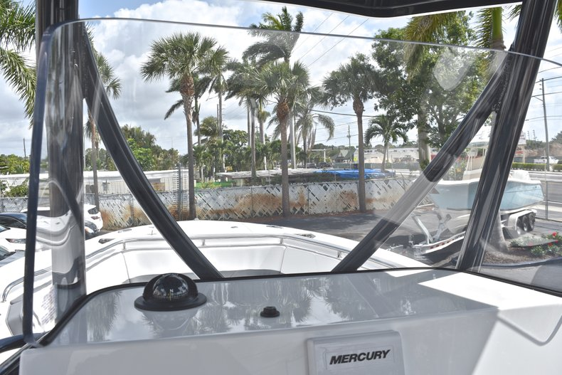 Thumbnail 31 for New 2018 Blackfin 242CC Center Console boat for sale in West Palm Beach, FL