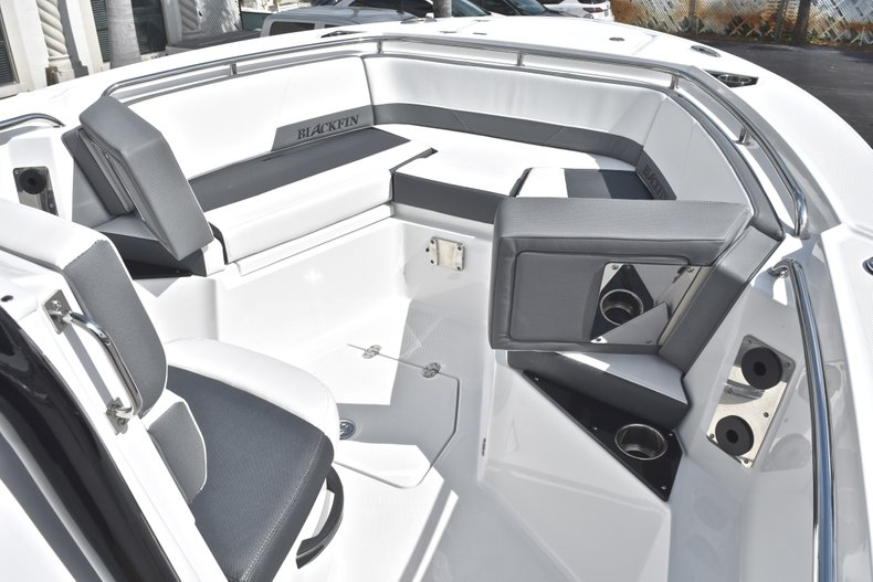 Thumbnail 44 for New 2018 Blackfin 242CC Center Console boat for sale in West Palm Beach, FL