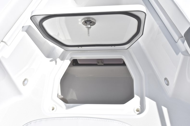 Thumbnail 49 for New 2018 Blackfin 242CC Center Console boat for sale in West Palm Beach, FL