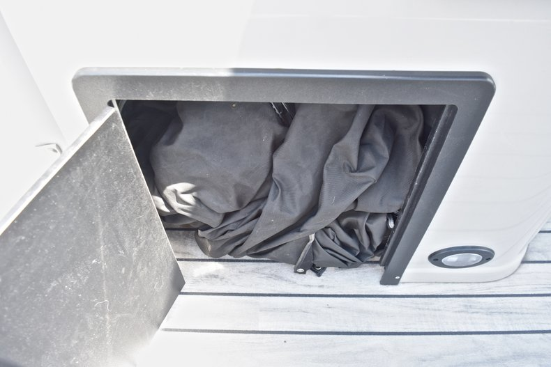 Thumbnail 34 for Used 2015 Starcraft SLS 3 Pontoon boat for sale in West Palm Beach, FL