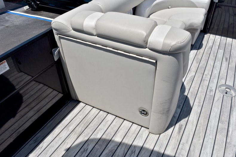 Thumbnail 35 for Used 2015 Starcraft SLS 3 Pontoon boat for sale in West Palm Beach, FL