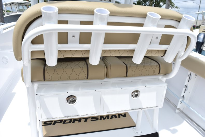 Thumbnail 19 for New 2018 Sportsman Heritage 231 Center Console boat for sale in West Palm Beach, FL