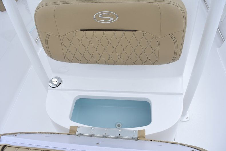 Thumbnail 39 for New 2018 Sportsman Heritage 231 Center Console boat for sale in West Palm Beach, FL