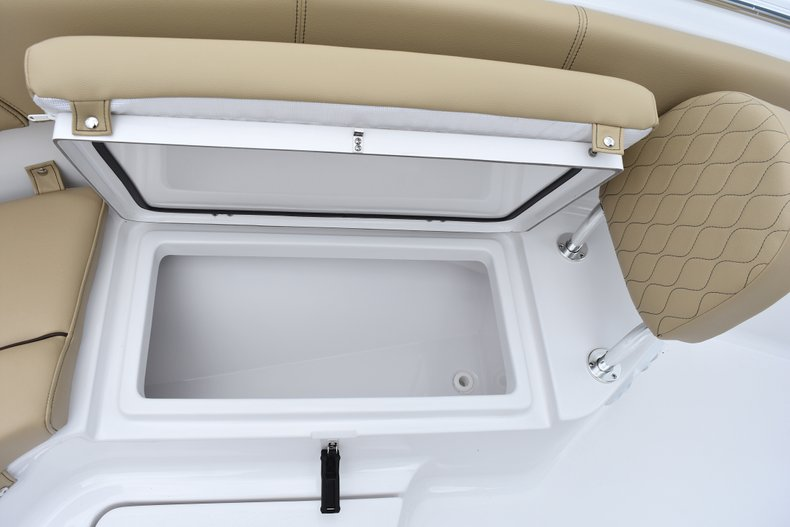 Thumbnail 45 for New 2018 Sportsman Heritage 231 Center Console boat for sale in West Palm Beach, FL